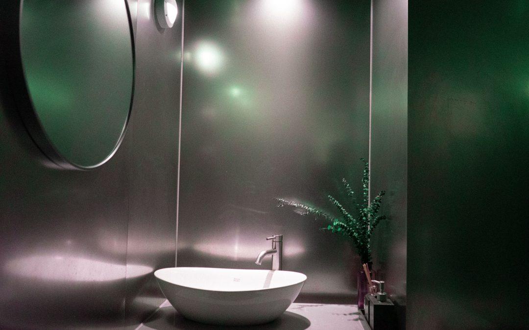 Mangler du en lille håndvask til badeværelset?